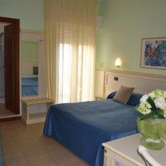 Hotel Zeus Римини сейф в номере