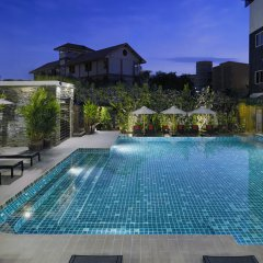 Отель Signature Pattaya Hotel Таиланд, Паттайя - отзывы, цены и фото номеров - забронировать отель Signature Pattaya Hotel онлайн бассейн