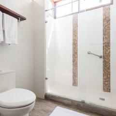 Paraiso Rainforest and Beach Hotel ванная фото 2
