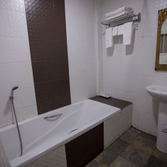 Kyi Tin Hotel ванная