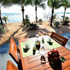 Отель Golden Dragon Beach Pattaya Таиланд, Бангламунг - отзывы, цены и фото номеров - забронировать отель Golden Dragon Beach Pattaya онлайн балкон