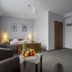 Отель Rezydencja Sienkiewiczówka комната для гостей