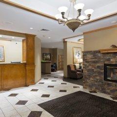 Отель Chicago Club Inn & Suites интерьер отеля