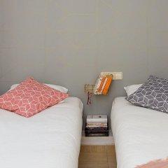 Отель Casa Cosi - Creu Coberta Барселона комната для гостей фото 3