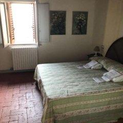 Отель Locanda Il Pino Италия, Сан-Джиминьяно - отзывы, цены и фото номеров - забронировать отель Locanda Il Pino онлайн комната для гостей фото 5