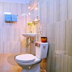 Отель Green Garden Homestay ванная фото 2