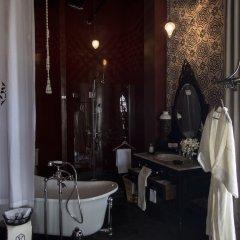 Отель Amdaeng Bangkok Riverside Hotel Таиланд, Бангкок - отзывы, цены и фото номеров - забронировать отель Amdaeng Bangkok Riverside Hotel онлайн ванная