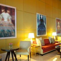 Отель The Ritz-Carlton, Dubai International Financial Centre ОАЭ, Дубай - 8 отзывов об отеле, цены и фото номеров - забронировать отель The Ritz-Carlton, Dubai International Financial Centre онлайн интерьер отеля фото 3
