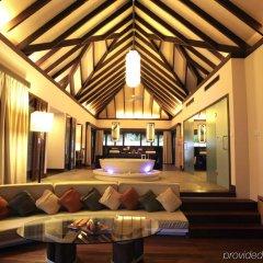 Отель Coco Bodu Hithi Мальдивы, Остров Гасфинолу - отзывы, цены и фото номеров - забронировать отель Coco Bodu Hithi онлайн интерьер отеля