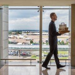 Отель Clayton Hotel, Manchester Airport Великобритания, Манчестер - отзывы, цены и фото номеров - забронировать отель Clayton Hotel, Manchester Airport онлайн балкон