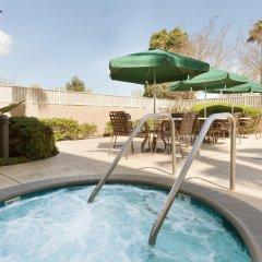 Отель Hilton Garden Inn San Jose/Milpitas бассейн