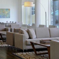 Отель Courtyard by Marriott Dubai Green Community интерьер отеля фото 2