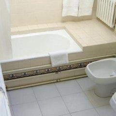 Отель Casa das Torres de Oliveira Португалия, Мезан-Фриу - отзывы, цены и фото номеров - забронировать отель Casa das Torres de Oliveira онлайн ванная фото 2