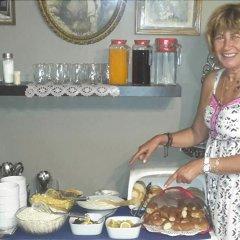 Отель Berk Guesthouse - 'Grandma's House' питание фото 2