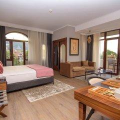 Отель Tiflis Palace комната для гостей фото 15