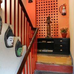 Отель Thamel Backpackers Home Непал, Катманду - отзывы, цены и фото номеров - забронировать отель Thamel Backpackers Home онлайн интерьер отеля фото 3