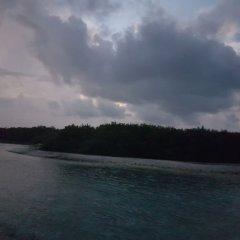 Отель Surf Deck Остров Гасфинолу приотельная территория