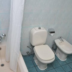Отель Claridge Hotel ОАЭ, Дубай - отзывы, цены и фото номеров - забронировать отель Claridge Hotel онлайн ванная