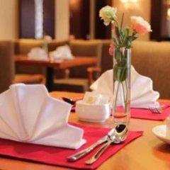 Отель Bell Tower Hotel Xian Китай, Сиань - отзывы, цены и фото номеров - забронировать отель Bell Tower Hotel Xian онлайн питание фото 2