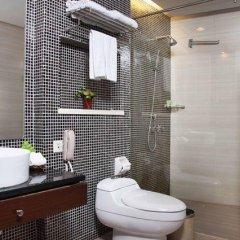 Отель Shenzhen Hongbo Hotel Китай, Шэньчжэнь - отзывы, цены и фото номеров - забронировать отель Shenzhen Hongbo Hotel онлайн ванная фото 2