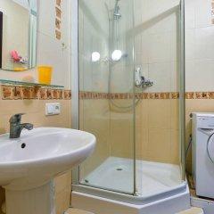 Гостиница Home-Hotel Mikhailovsksya 24-B Украина, Киев - отзывы, цены и фото номеров - забронировать гостиницу Home-Hotel Mikhailovsksya 24-B онлайн ванная