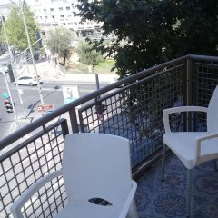 Segal in Jerusalem Apartments Израиль, Иерусалим - отзывы, цены и фото номеров - забронировать отель Segal in Jerusalem Apartments онлайн балкон