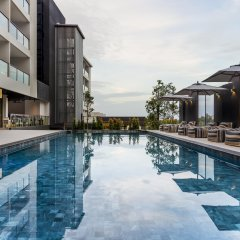 Hotel IKON Phuket бассейн