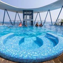 Отель SOL Marina Palace бассейн