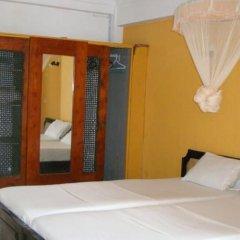 Отель Topaz Beach сейф в номере