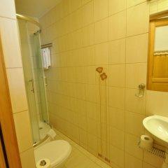Отель Хостел Sopotiera Pokoje Goscinne Польша, Сопот - отзывы, цены и фото номеров - забронировать отель Хостел Sopotiera Pokoje Goscinne онлайн ванная фото 3
