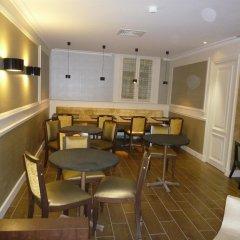 Отель Sevres Montparnasse гостиничный бар