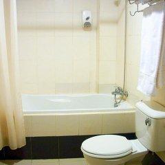 Отель DOriental Inn, Chinatown, Kuala Lumpur Малайзия, Куала-Лумпур - 2 отзыва об отеле, цены и фото номеров - забронировать отель DOriental Inn, Chinatown, Kuala Lumpur онлайн ванная
