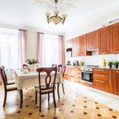 Апартаменты Apartment near Hermitage Санкт-Петербург в номере фото 2