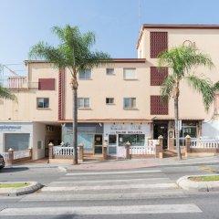 Отель MalagaSuite Beach Relax & Terrace Торремолинос парковка