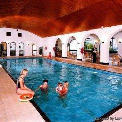 The Palace Hotel бассейн