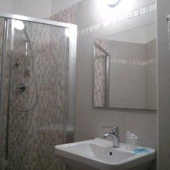 Hotel Sant'elena Римини ванная