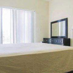 Отель New Kingston Guest Apt at Sonoma Estate сейф в номере