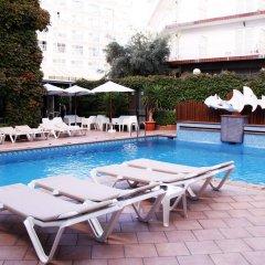 Отель Xaine Park бассейн