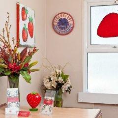Отель Strawberry Fields удобства в номере