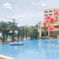 Отель Holi Bayview Нячанг бассейн