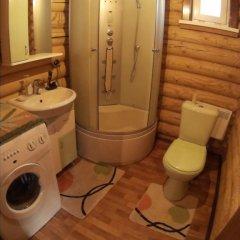 Гостиница Коттедж Уютный в Ае отзывы, цены и фото номеров - забронировать гостиницу Коттедж Уютный онлайн Ая ванная