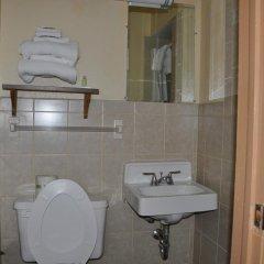 Отель Northwood Inn & Suites Блумингтон ванная