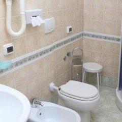 Hotel Due Torri Аджерола ванная фото 2