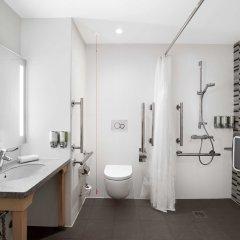 Отель Hampton by Hilton Bristol Airport ванная