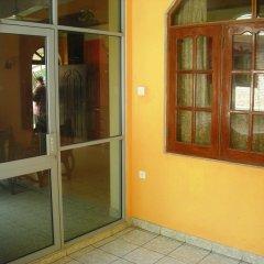 Отель Sri Lak Inn балкон
