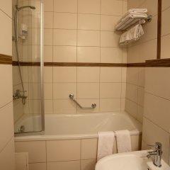 Отель Ararat All Suites Hotel Литва, Клайпеда - 2 отзыва об отеле, цены и фото номеров - забронировать отель Ararat All Suites Hotel онлайн ванная