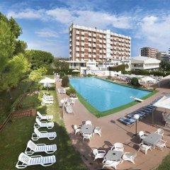 Punta Nord Village & Hotel бассейн