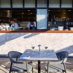 Отель The Trafalgar St. James London, Curio Collection by Hilton Великобритания, Лондон - отзывы, цены и фото номеров - забронировать отель The Trafalgar St. James London, Curio Collection by Hilton онлайн гостиничный бар фото 8
