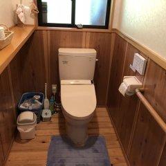 Отель NISHINOKUBO Япония, Минамиогуни - отзывы, цены и фото номеров - забронировать отель NISHINOKUBO онлайн ванная