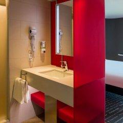 Отель ibis Styles New York LaGuardia Airport США, Нью-Йорк - отзывы, цены и фото номеров - забронировать отель ibis Styles New York LaGuardia Airport онлайн ванная